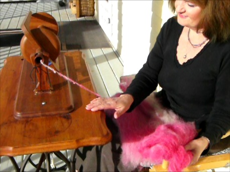Long Draw Spinning – Making a Thick and Thin Art Yarn