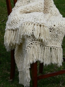 mega knitting, knitted throw, knitting with super bulky yarn